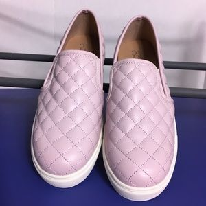 New York and Co quilted slip on shoe